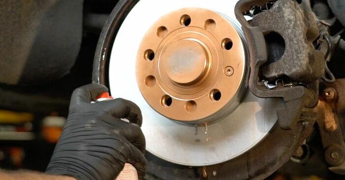 Octavia 1z5 1.6 TDI 2006 Bremsbeläge wechseln: Kostenfreie Reparaturwegleitungen