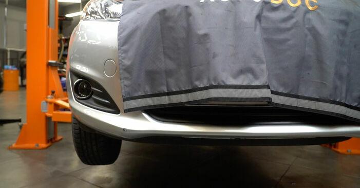 Kuidas vahetada välja FORD Fiesta Mk6 Hatchback (JA8, JR8) 2020 Soonrihm - näpunäited ja trikkid