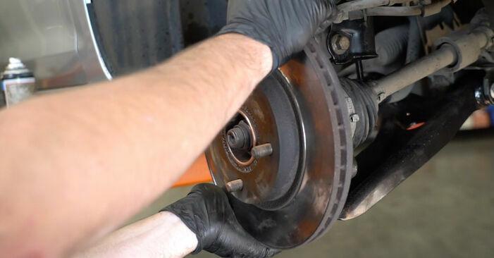 Zweckdienliche Tipps zum Austausch von Bremsscheiben beim FORD Fiesta Mk6 Schrägheck (JA8, JR8) 1.6 TDCi 2009
