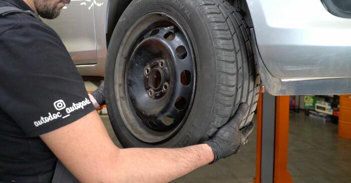 Austauschen Anleitung Bremsscheiben am Ford Fiesta ja8 2018 1.25 selbst