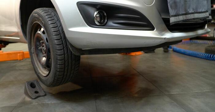 Wechseln Bremsscheiben am FORD Fiesta Mk6 Schrägheck (JA8, JR8) 1.5 TDCi 2011 selber