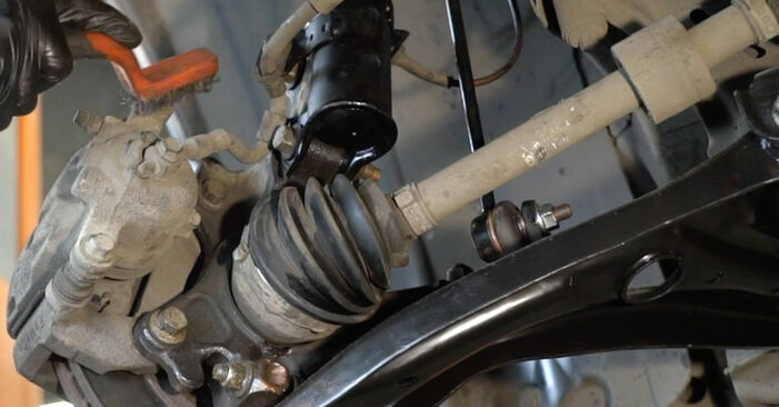 Wie schwer ist es, selbst zu reparieren: Bremsbeläge Ford Fiesta ja8 1.4 2014 Tausch - Downloaden Sie sich illustrierte Anleitungen