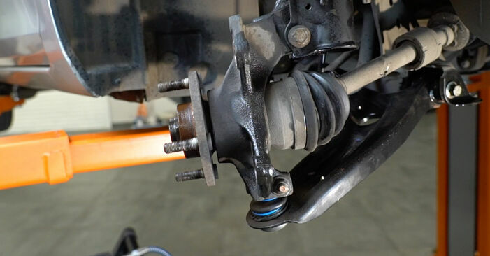 A substituição do Rolamento da Roda no FORD Fiesta Mk6 Hatchback (JA8, JR8) 1.6 TDCi 2009 não é mais um problema com o nosso tutorial passo a passo.