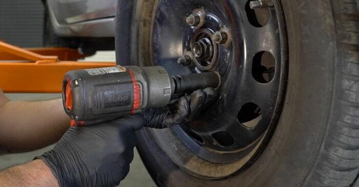 Como substituir Rolamento da Roda no FORD Fiesta Mk6 Hatchback (JA8, JR8) 2013: descarregue manuais em PDF e instruções em vídeo