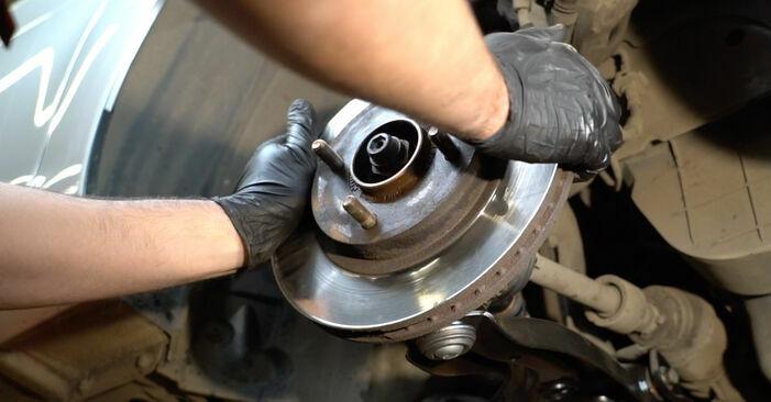 Substituição de Ford Fiesta ja8 1.4 TDCi 2010 Rolamento da Roda: manuais gratuitos de oficina