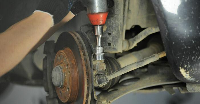 Wie lange braucht der Teilewechsel: Spurstangenkopf am Mercedes W168 1997 - Einlässliche PDF-Wegleitung