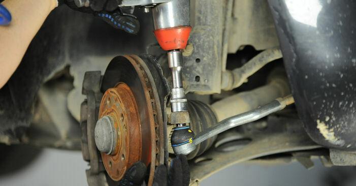 Hinweise des Automechanikers zum Wechseln von MERCEDES-BENZ A-Klasse (W168) A 160 1.6 (168.033, 168.133) 2003 Spurstangenkopf