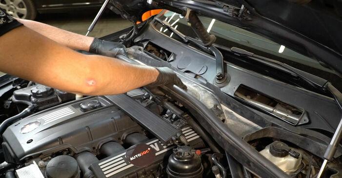 Wie man BMW 1 SERIES 125i 3.0 2005 Zündspule wechselt - Einfach nachzuvollziehende Tutorials online