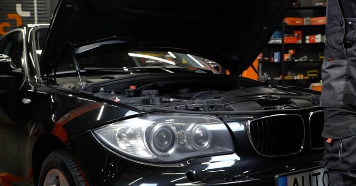 Wie man Domlager beim BMW E82 2001 wechselt - Gratis PDF- und Video-Tutorials