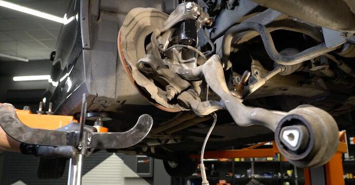 Wieviel Zeit nimmt der Austausch in Anspruch: Domlager beim BMW E82 2009 - Ausführliche PDF-Anleitung