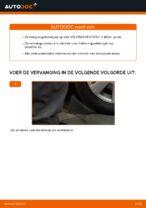 Hoe een koppelstang vooraan op een Volkswagen Golf V (1K) vervangen