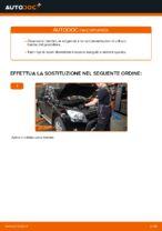 Come sostituire il filtro d'aria motore su TOYOTA RAV4 III (XA30)