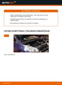 Hvordan man udfører udskiftning af: Bremseklodser på 1.4 HDi Peugeot 208 1