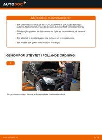 Så byter du Bromsskivor på 2.2 D 4WD (ALA30_) Toyota RAV4 III