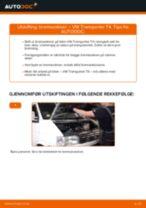 Slik bytter du bremseskiver fremme på en VW Transporter T4 – veiledning