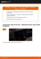 Slik bytter du omluftfilter på en Mercedes W210 – veiledning