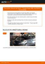 Cum să schimbați: discuri de frână din față la Toyota Aygo AB1   Ghid de înlocuire