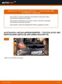Wie der Wechsel durchführt wird: Heckklappendämpfer 1 Toyota Aygo ab1 tauschen