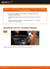 Så byter du Bromsbelägg på 2.0 i (CU1) Honda Accord VIII CU