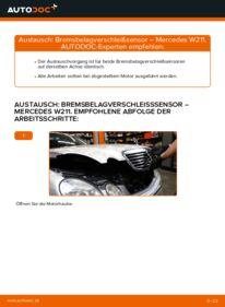 Wie der Wechsel durchführt wird: Verschleißanzeige Bremsbeläge E 220 CDI 2.2 (211.006) Mercedes W211 tauschen