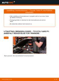 Slik bytter du Bremseklosser på 1.0 (SCP10_) Toyota Yaris p1