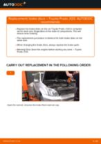 Fitting Spotlight Bulb TOYOTA LAND CRUISER (KDJ12_, GRJ12_) - step-by-step tutorial