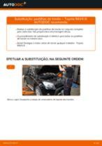 Como mudar pastilhas de travão da parte traseira em Toyota RAV4 III - guia de substituição