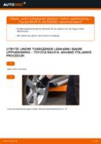 Byta undre tvärgående länkarm i bakre upphängning på Toyota RAV4 III – utbytesguide