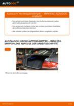 Wie BMW E92 Heckklappendämpfer wechseln - Anleitung