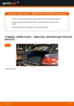 Ako vymeniť vzpěry kufru na BMW E92 – návod na výmenu