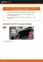 Byta gasfjäder baklucka på VW Golf 4 – utbytesguide