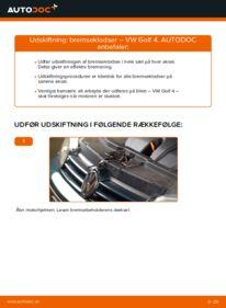 Hvordan man udfører udskiftning af: Bremseklodser på 1.4 16V Golf 4