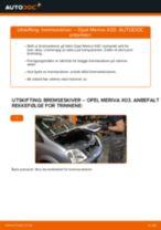 Slik bytter du bremseskiver bak på en Opel Meriva X03 – veiledning