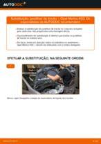Como mudar pastilhas de travão da parte traseira em Opel Meriva X03 - guia de substituição