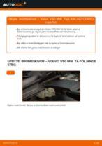 Byta Bromsskiva bak och fram VOLVO V50: online guide