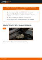 Gratis instruktioner online hur installerar man Bromsskiva VOLVO V50 (MW)