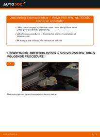 Hvordan man udfører udskiftning af: Bremseklodser på 2.0 D Volvo v50 mw