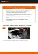 Como mudar discos de travão da parte traseira em Mercedes W245 - guia de substituição