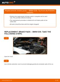 How to carry out replacement: Brake Pads on 523i 2.5 BMW E39