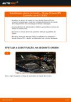 Como mudar discos de travão da parte dianteira em Skoda Octavia 1Z5 - guia de substituição