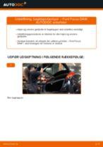 Udskift bagklapsdæmper - Ford Focus DAW | Brugeranvisning