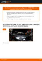 Cómo cambiar: copelas del amortiguador de la parte delantera - BMW E82 | Guía de sustitución