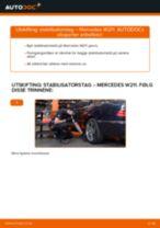 Slik bytter du stabilisatorstag bak på en Mercedes W211 – veiledning