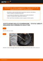 Come cambiare molle di sospensione della parte anteriore su Toyota Yaris P1 - Guida alla sostituzione