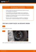 Como mudar cabeçotes do amortecedores da parte dianteira em Toyota Yaris P1 - guia de substituição
