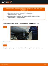 Hvordan man udfører udskiftning af: Brændstoffilter på 1.2 60 Fiat Punto 188