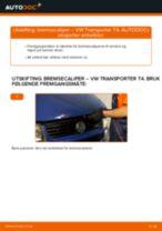 Slik bytter du bremsecaliper fremme på en VW Transporter T4 – veiledning