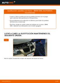 Cómo realizar una sustitución de Pastillas De Freno en un BMW 3 SERIES