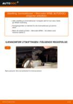 Slik bytter du bremseklosser fremme på en Mercedes W168 bensin – veiledning