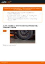 Cómo cambiar: amortiguadores de la parte trasera - Mercedes W168 gasolina   Guía de sustitución